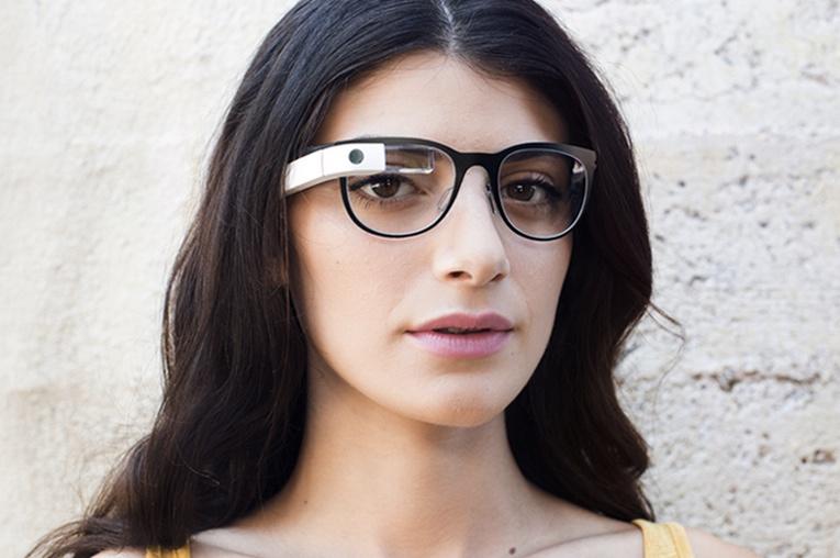 Über drei Jahre nach Google Glass versucht es auch Apple? (Foto: Google)