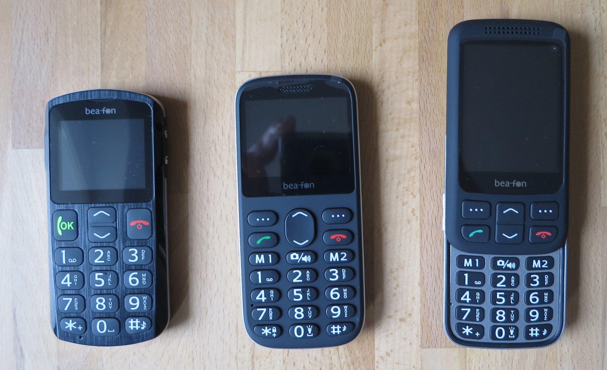 Die Seniorenhandys Bea-fon SL250, SL350 und SL750 von oben nochmal im Vergleich, wenn der Slider ausgefahren ist (Bild: Peter Giesecke)