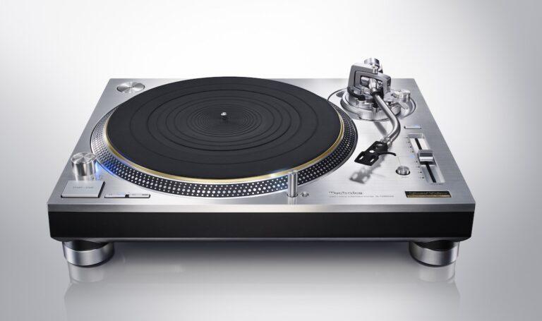 Mehr Technik für Genießer wie der Technics Vinly-Plattenspieler SL-1200 GAE. Bild: obs/Panasonic Deutschland/Technics