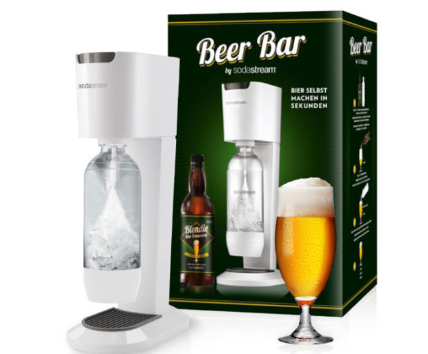 Die Beer Bar mit einer Flasche Blondie (Bild: Sodastream)