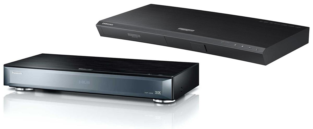 Der DMP-UB900 von Panasonic (unten) und der UBD-K8500 von Samsung (oben) sind die bislang einzigen regulär erhältlichen Ultra HD Blu-ray-Player auf dem deutschen Markt.