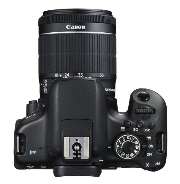 Digitale Spiegelreflexkamera (Canon EOS 750D): Wuchtiges Gehäuse, angestecktes Objektiv, meist viele Einstellungsmöglichkeiten. Bild: Canon