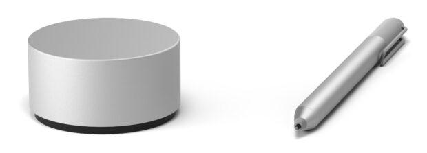 Puck und Pen – auch wenn Microsoft das Gerät link offiziell Surface Dial nennt (Bild: Microsoft)