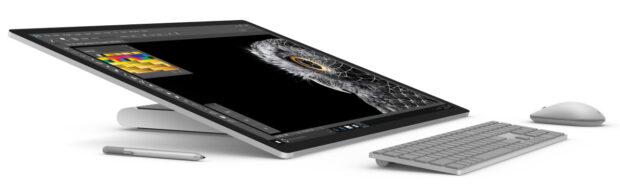 Der Bildschirm des Microsoft Surface Studio lässt sich im 20-Grad-Winkel ablegen (Bild: Microsoft)