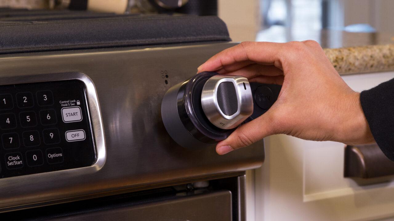 Inirv React: Smarter Rauchmelder stellt den Küchenherd aus, bevor es anfängt zu brennen