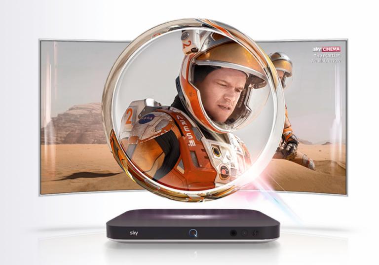 Die Sky-Q-Box benötigt weder Sat- noch Kabelanschluss. Ein Internetanschluss reicht, um das komplette Sky-Programm zu streamen (Bild: Sky)
