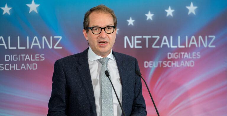Bundesminister Alexander Dobrindt (Bild: BMVI)