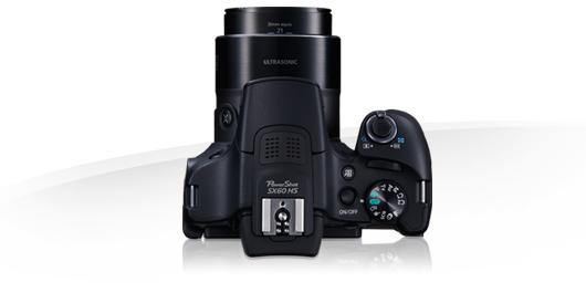 Von oben einer Spiegelreflexkamera nicht unähnlich: Bridgekamera Canon PowerShot SX60 HS. Bild: Canon