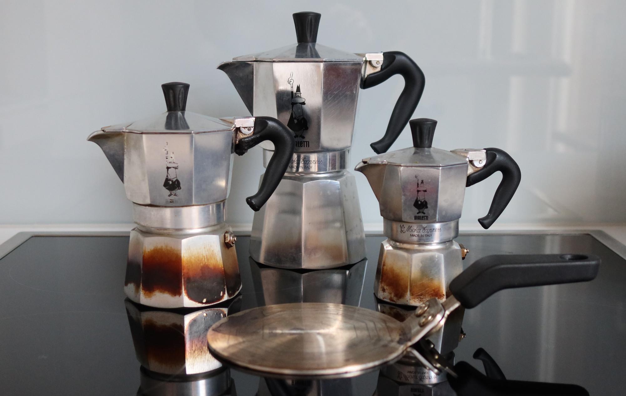 Espressokocher in drei Größen mit Adapterplatte für Induktion