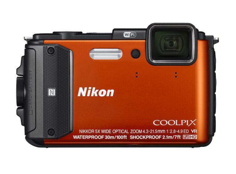 """Nikon Coolpix AW130. Gibt es in """"Flecktarn"""" oder auch in modischen Farben. Bild: Nikon"""