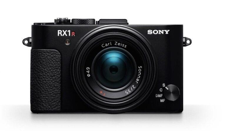 Sony RX1R II: Eine Kompaktkamera für 4.000 Euro. Ja, auch so etwas gibt es. Bild: Sony