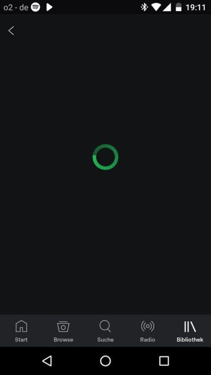 Wurde für mich zum Symbolbild auf dem Budget-Smartphone: Die Spotify-App hängt. Beim Start und beim Laden der offline gespeicherten Playlists. Jedes Mal. Etliche Sekunden lang.