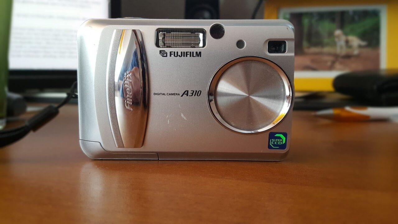These: Niemand braucht heute noch eine Kompaktkamera