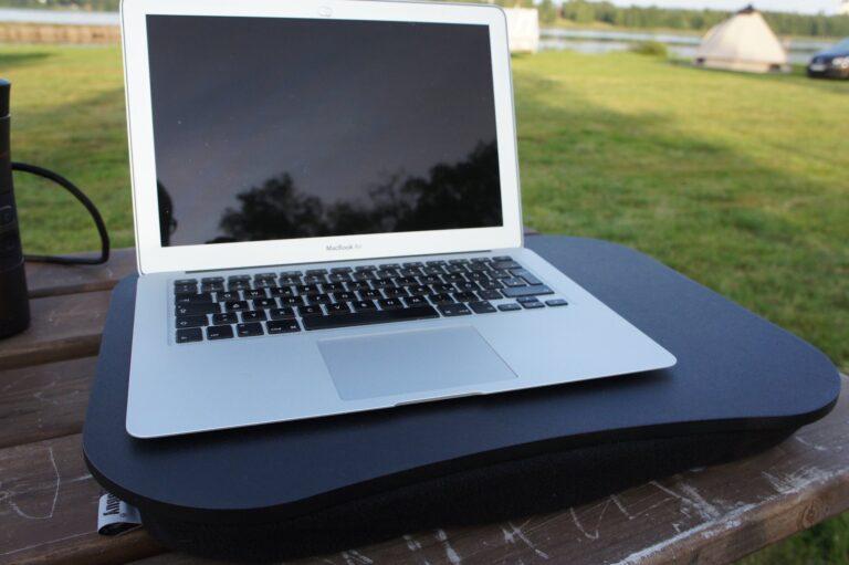 Ein altes MacBook für unterwegs. Klein, halbwegs robust, tut was es soll