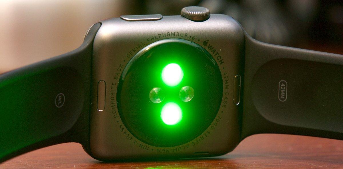 Die Apple Watch misst die Herzfrequenz per Licht (Bild: Ars Technica)