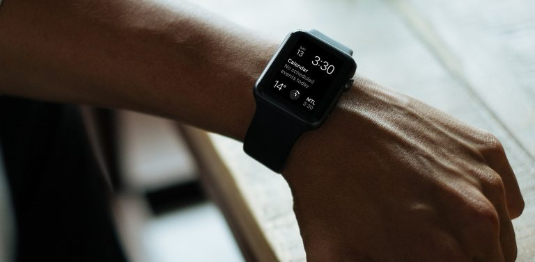 Apple Watch mit Kalender (Bild: Pixabay/Free-Photos)