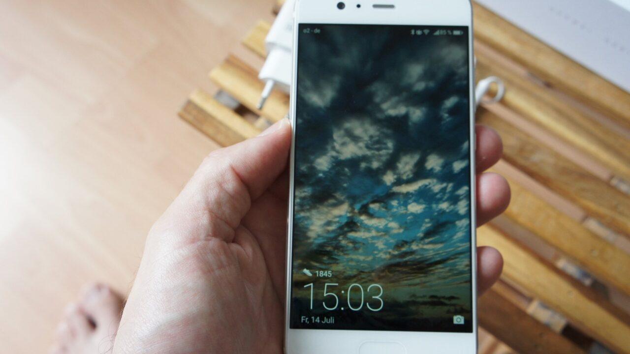 Huawei P10 im Test: Starkes Smartphone, dem ein passendes Betriebssystem fehlt