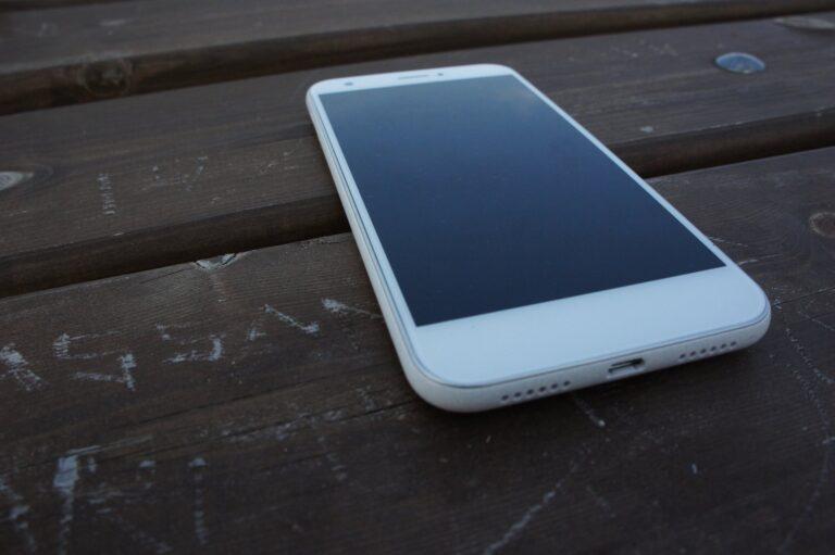 ZTE Blade A512: Ein altes Smartphone zum Autoserver (Router, Navi und Soundanlage in einem) umfunktioniert