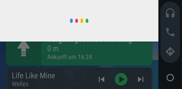 Android Auto: Der Google Assistent schaltet sich ein – aber versagt leider all zu oft.