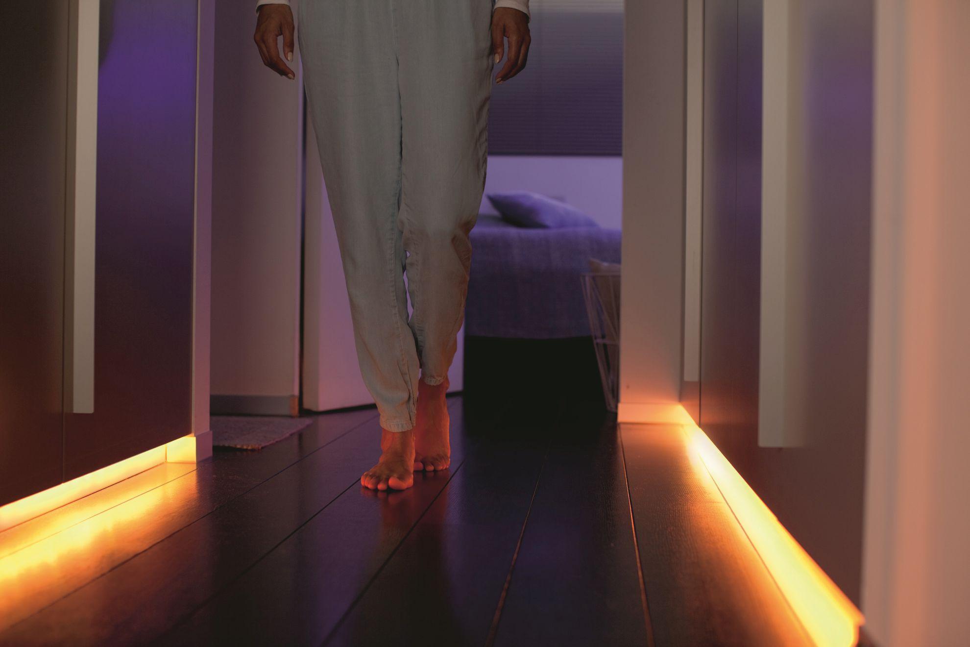 Philips Hue So Bringt Ihr Mit Lightstrip Licht In Lange
