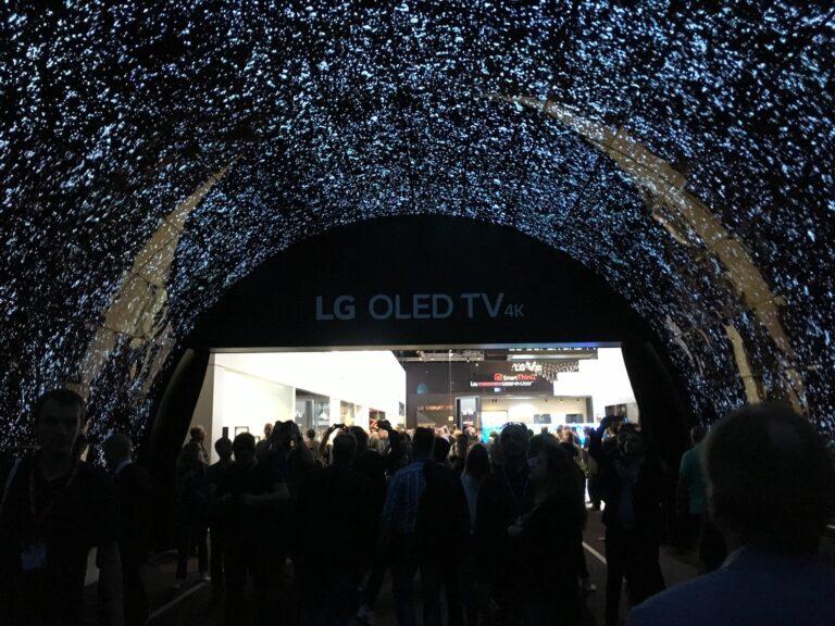 LGs imposante OLED Wall (die es 2016 aber auch schon gab)