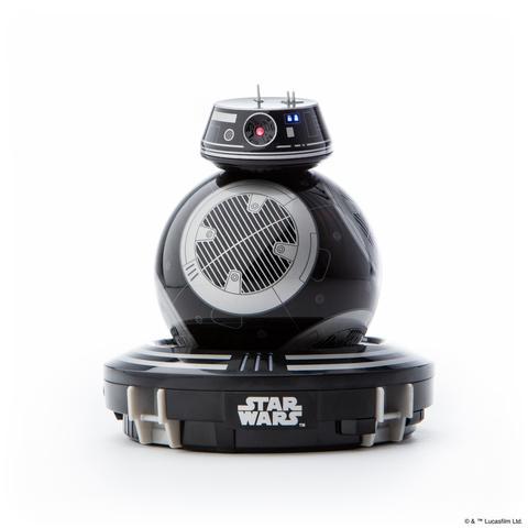Der BB-9E besitzt eine Station für kabelloses Laden. Der R2-D2 begnügt sich mit USB. (Foto: Orbotix)