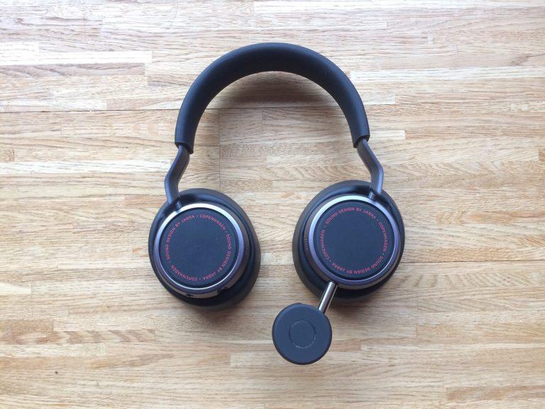 Bluetooth-Adapter direkt im Kopfhörer eingesteckt