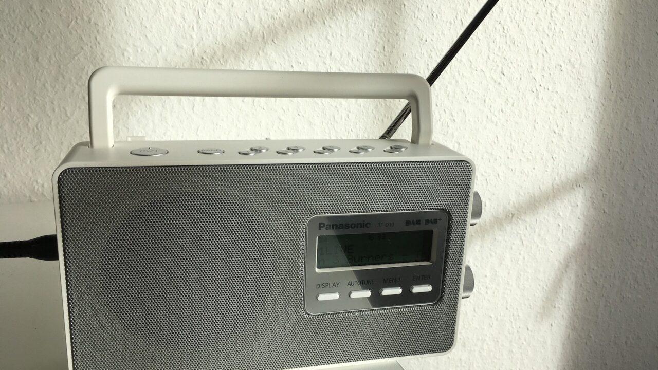 Pro und Contra: Hat DAB+ noch eine Chance gegen das Webradio?