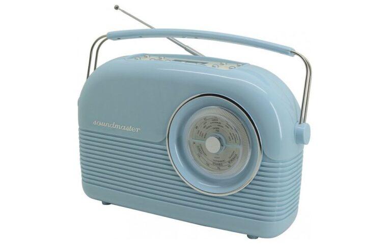 Soundmaster DAB 450-BL: Dieses auf alt gemachte Küchenradio verfügt über einen Analog- und Digitaltuner. Bild: Soundmaster