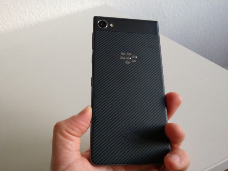 Griffige Rückseite, gute Verarbeitung: das Blackberry Motion