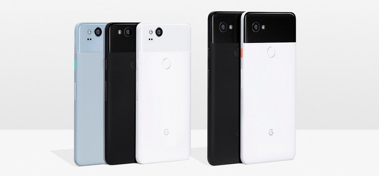 Google Pixel 2 und Google Pixel 2 XL verfügen über eine Rückseite aus Aluminium. Der glänzende obere Teil ist aus Glas, um bessere Funkeigenschaften zu ermöglichen. Qi wird jedoch nicht unterstützt (Bild: Google)