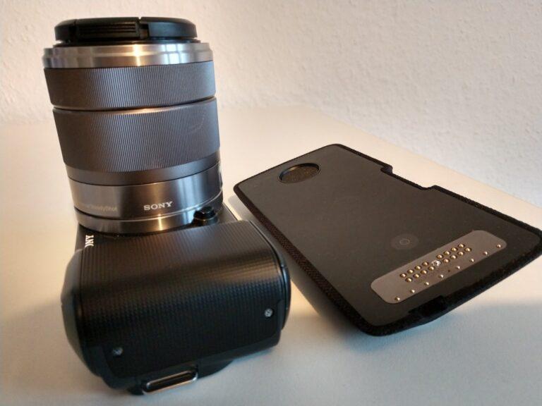 Der Moto Smart Speaker mit Alexa: Etwa so groß wie das Gehäuse einer Systemkamera.