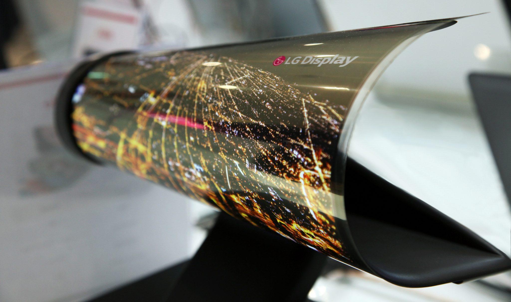 LG hat bereits zur CES 2016 ein biegbares Display gezeigt – wenn auch nicht mit 65 Zoll (Bild: LG Display)