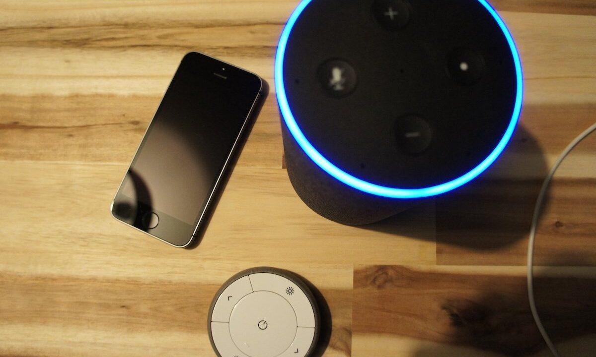 Sprache, Touchscreen oder Tasten: Wer steuert die smarte Zukunft am besten?