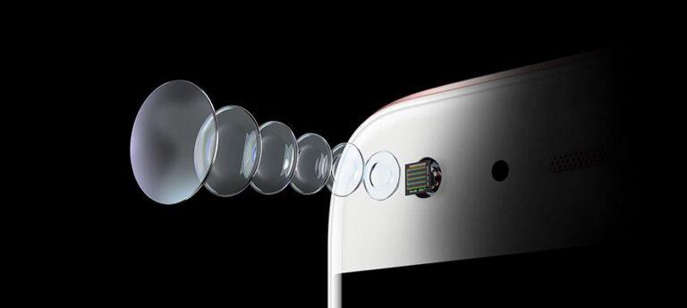 Das Huawei P10 bietet eine besonders starke Frontkamera, von der auch Skype profitiert. (Foto: Huawei)