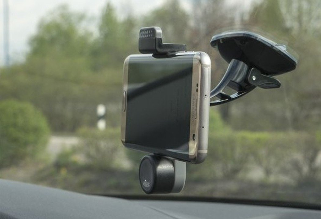 So benutzt ihr euer Smartphone oder eure Actioncam als Dashcam