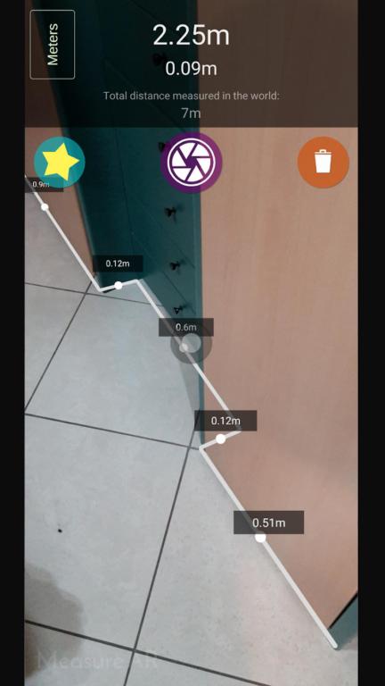 Flächen messen mit AR. (Foto: Guida Pasquale)
