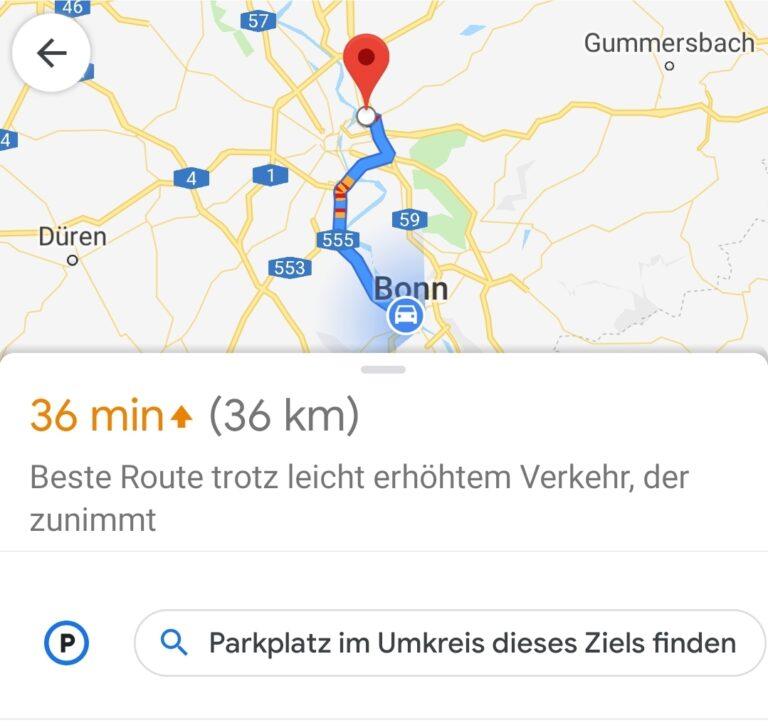 Parkplatz finden: Vor allem in Städten möglich mit Google Maps.