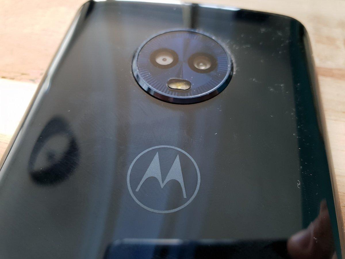 """<a href=""""https://trendblog.euronics.de/?p=61440"""" target=""""_blank"""">Motorola Moto G6</a>: Mit passender Hülle lässt sich der Kamerabuckel ausgleichen (Bild: Jürgen Vielmeier)"""