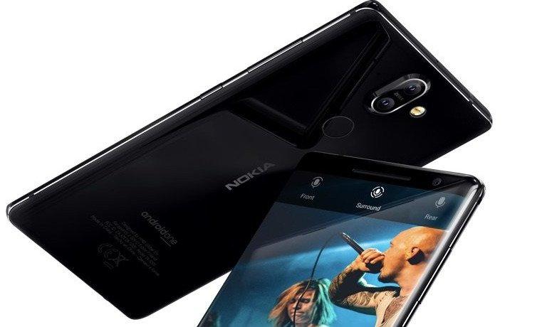 """<a href=""""https://trendblog.euronics.de/mobile-web/nokia-8-scirocco-7-plus-und-8110-4g-salutieren-wir-dem-altbekannten-57710/"""" target=""""_blank"""">Nokia 8 Scirocco</a>: Der Vorgänger kam noch ohne aus, doch beim neuesten Modell muss es auch ein Kamerabuckel sein (Bild: Nokia)"""