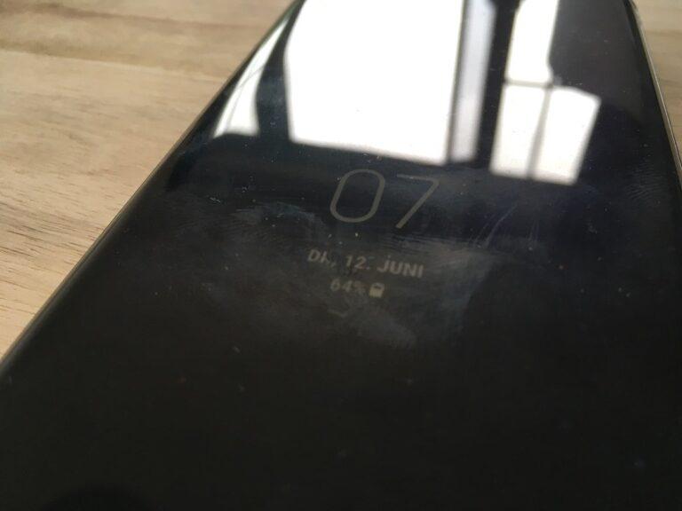 Ungeschönter Blick: Das Display des Galaxy S9+...