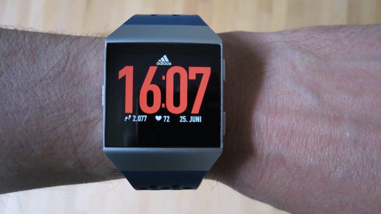 Fitbit Ionic adidas Edition im Test: Die Smartwatch als Personal Trainer