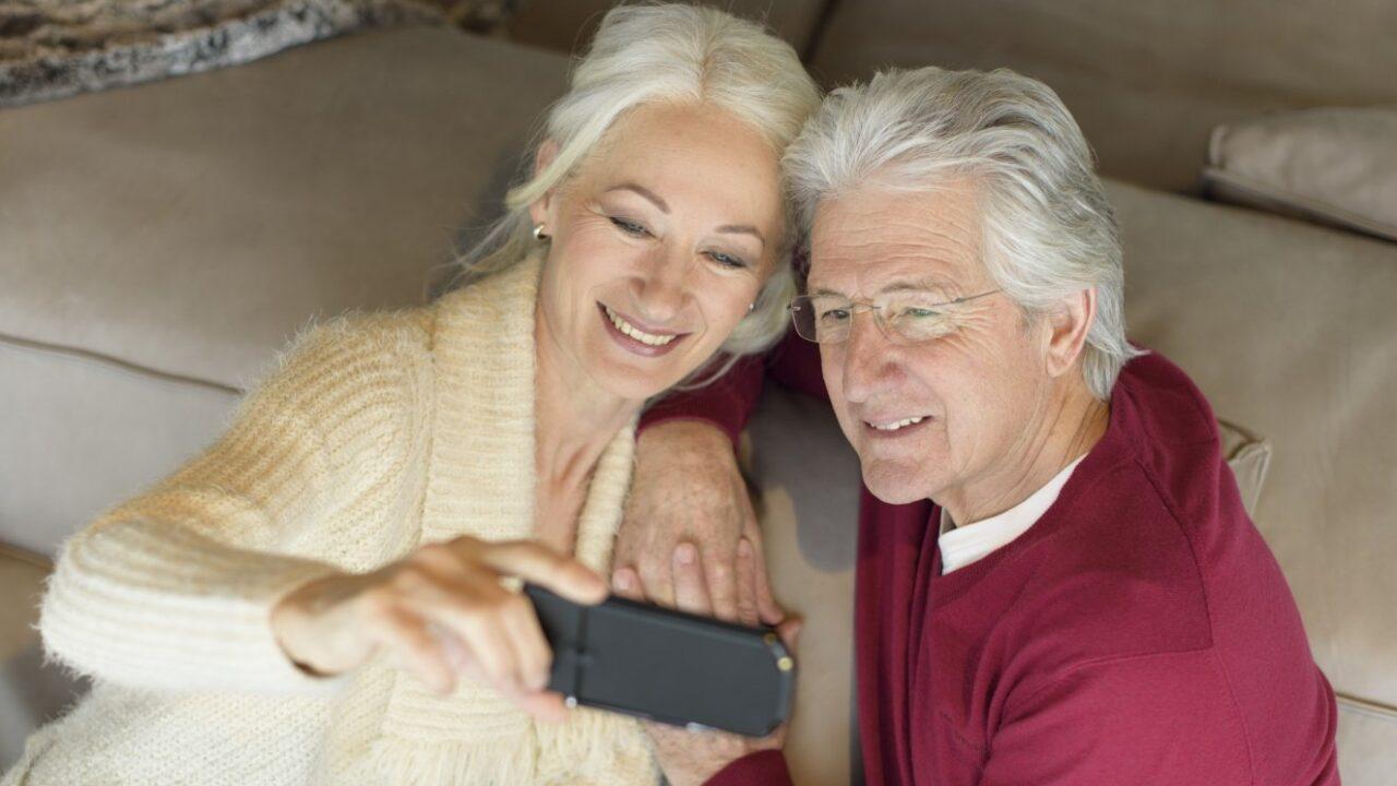 Für Senioren: Handys und Smartphones mit Internetzugang