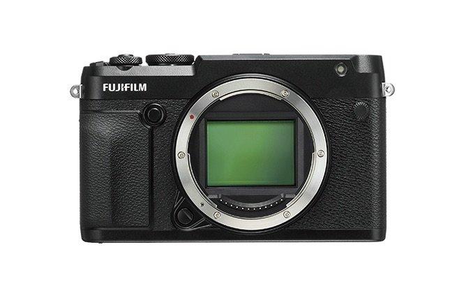Mehr geht immer: Die Fujifilm GFX 50R hat einen noch größeren Mittelformatsensor.