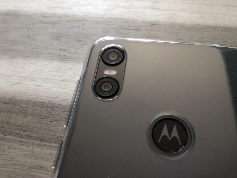 Motorola One Dualkamera und Fingerabdrucksensor