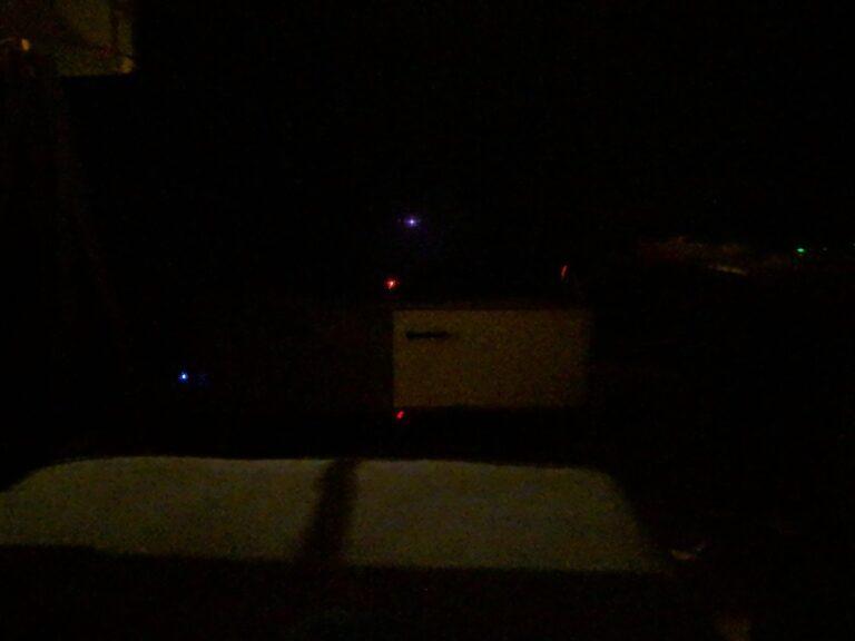Wohnzimmerbild bei Dunkelheit mit Google Nachtsicht auf dem Pixel 2