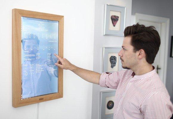 Technik steckt im Spiegel. (Foto: Dirror)