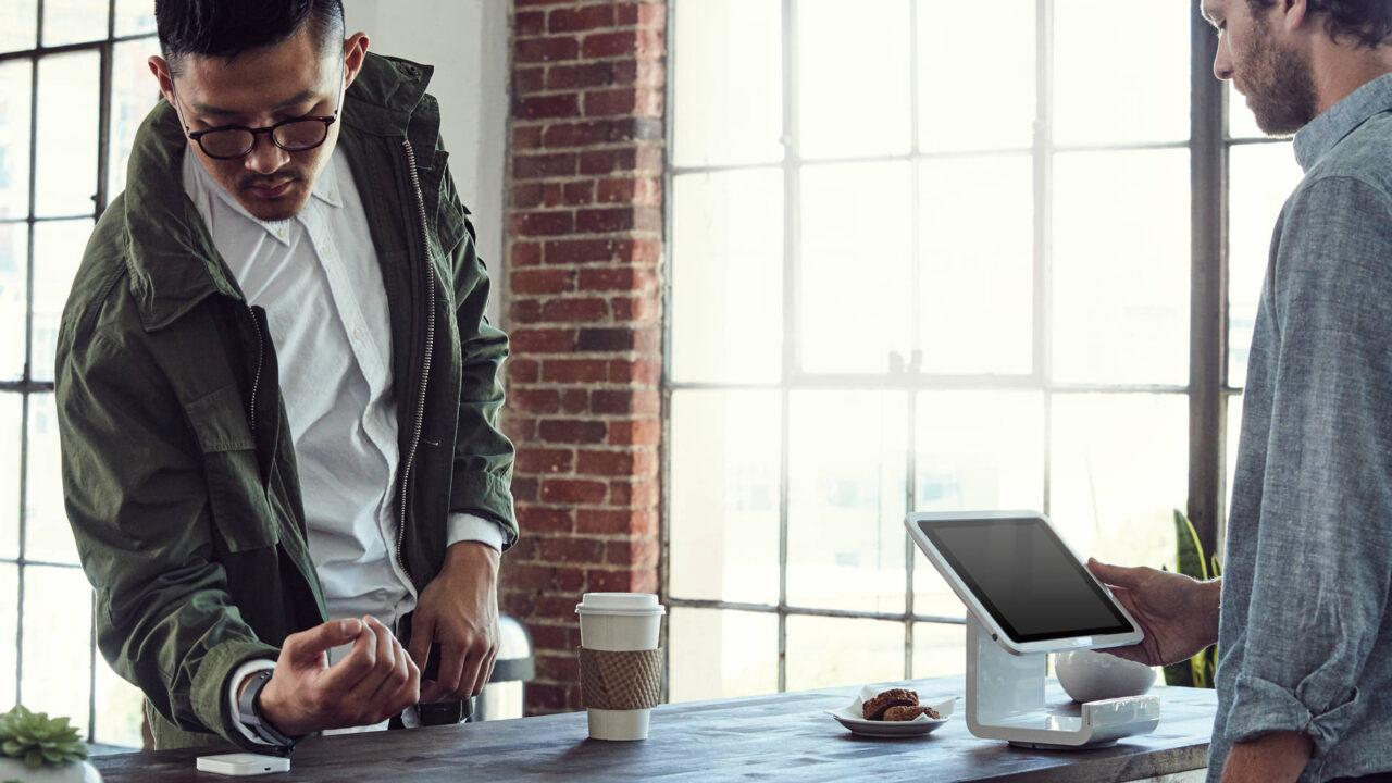 Bezahlen mit der Smartwatch: Mit welchen Anbietern und Uhren geht es?