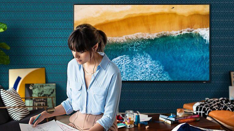 """8K-Fernseher können auch die Qualität """"alter"""" Videos verbessern. (Foto: Samsung)"""