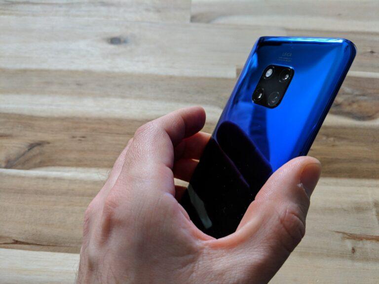 Huawei Mate 20 Pro: durchaus noch handlich.